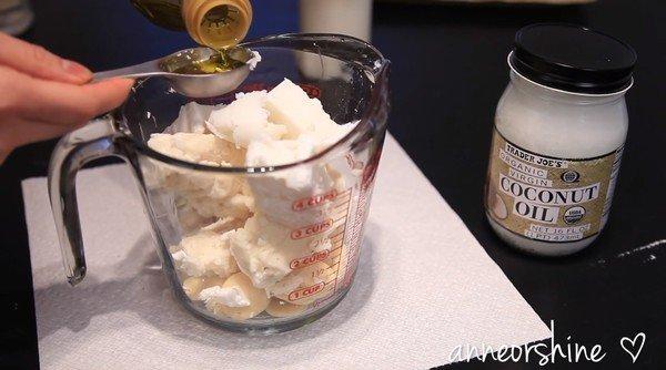 Cách làm kem dưỡng trắng da toàn thân 5