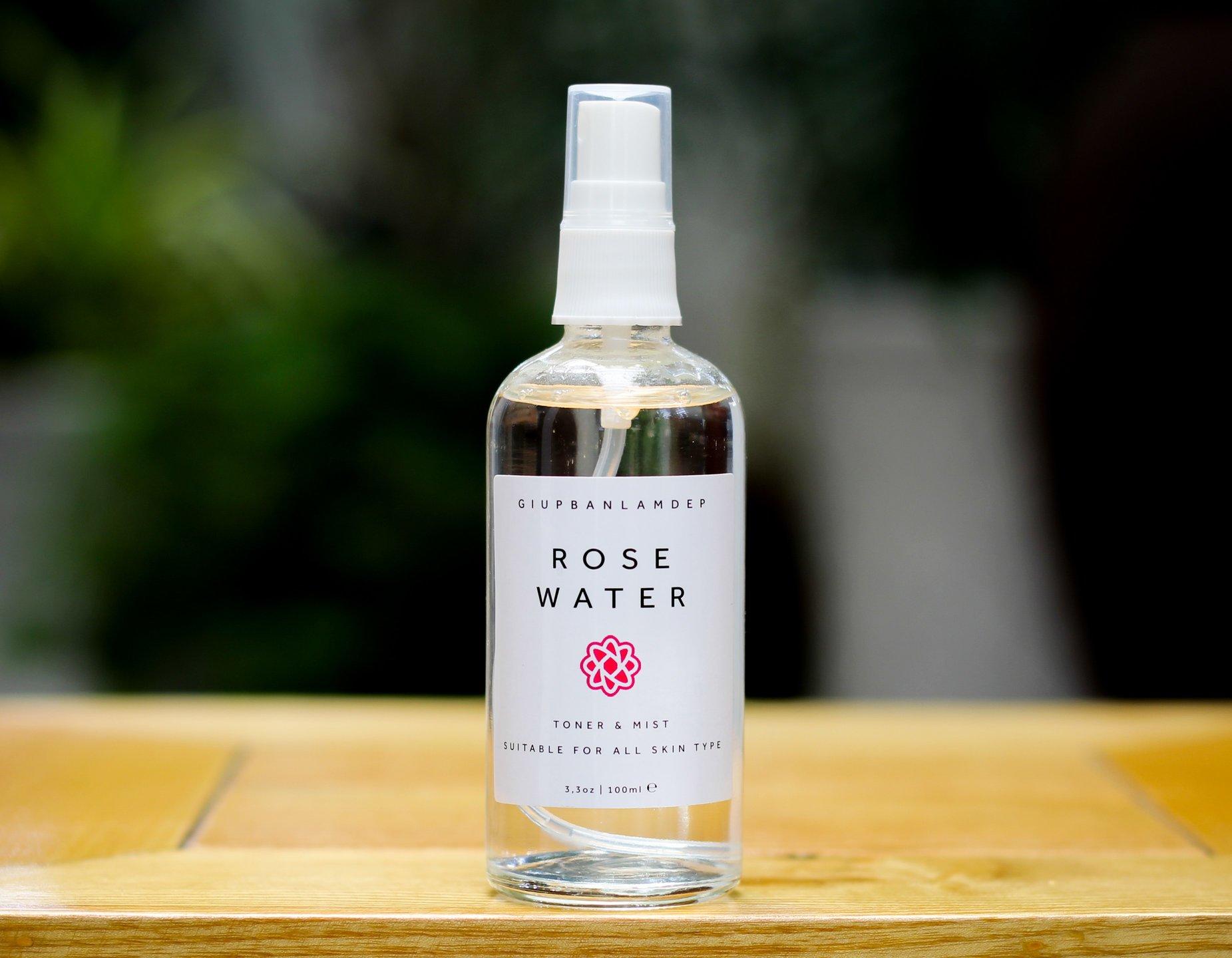 Nước hoa hồng nguyên chất.