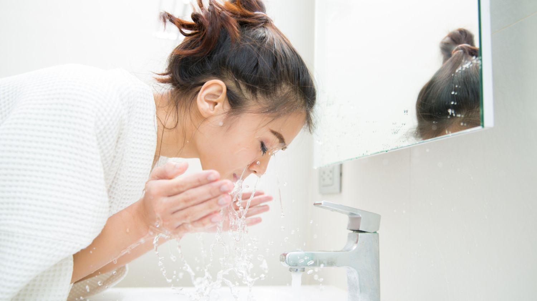 Sữa rửa mặt 101: Tất cả những gì bạn cần biết về sữa rửa mặt.